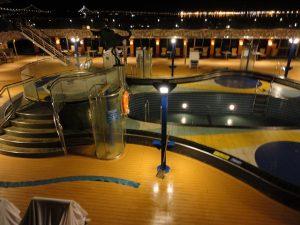 Carnival Spirit pool.