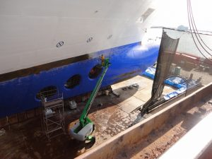 Carnival Spirit bow thrusters