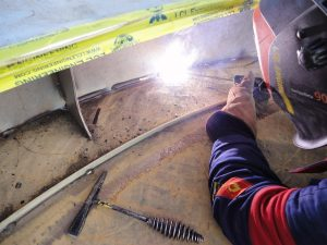 Welding stainless steel with SMAW to carbon steel with a E309L-17 electrode